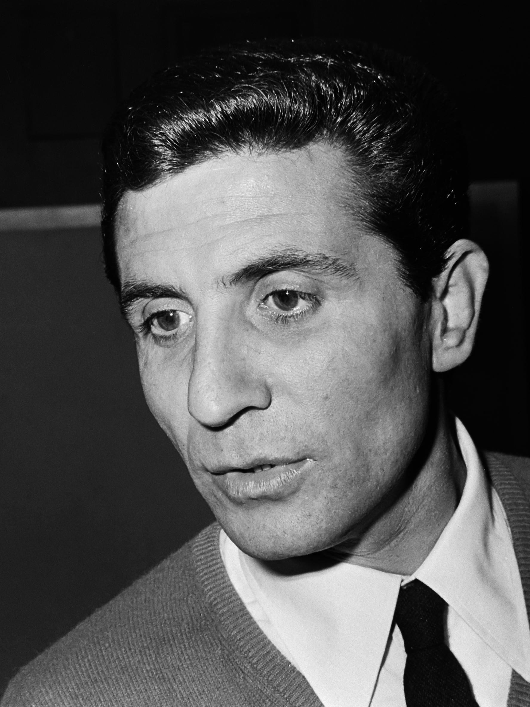 Gilbert Bécaud op Schiphol  *26 oktober 1965